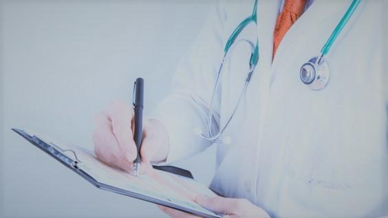 L'infermiere del triage assegna il codice errato: la struttura sanitaria deve risarcire i parenti del paziente deceduto